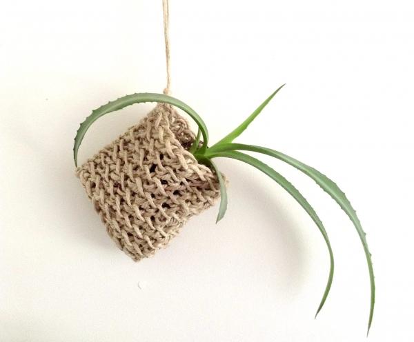 crochet plant pouch