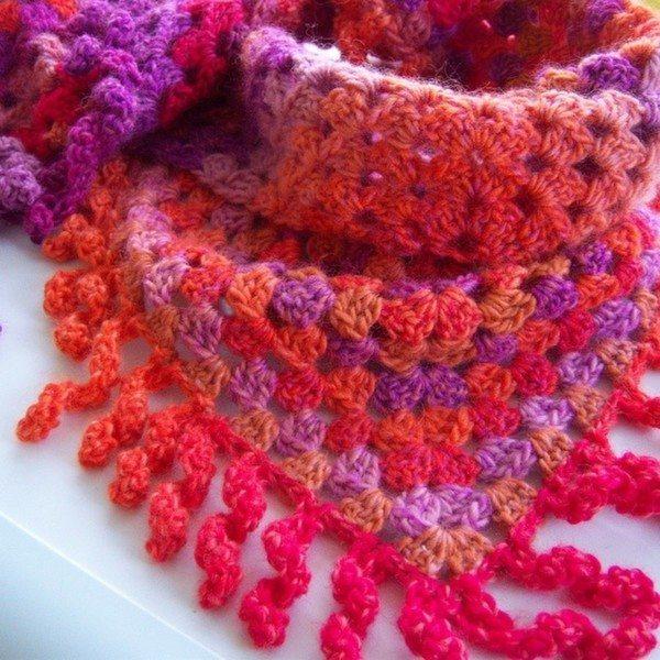 bethshananne_crochet_triangle_scarf