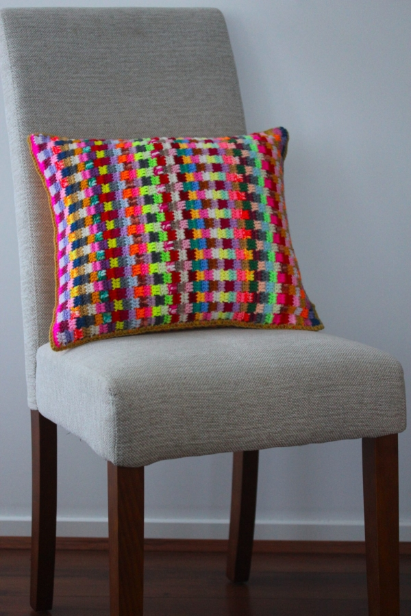 colorful crochet pillow 600x900 Link Love for Best Crochet Patterns, Ideas and News