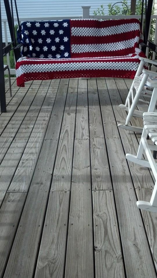 crochet american flag  507x900 Crochet Blog Roundup: July in Review