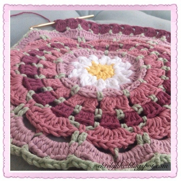 ektelykke instagram crochet mandala