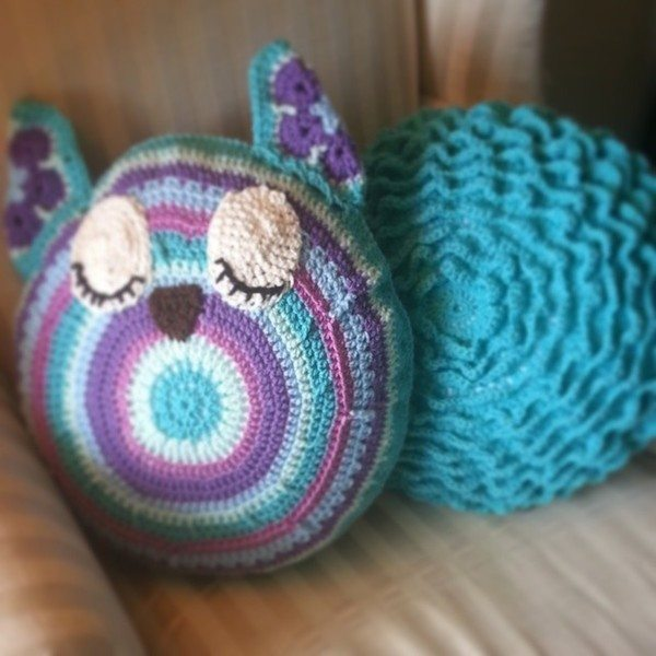 gigididthis_crochet_pillow