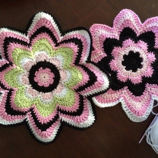 caswelljones crochet pillow