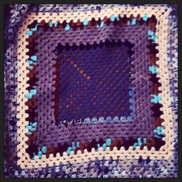 crochet_granny_square_blanket