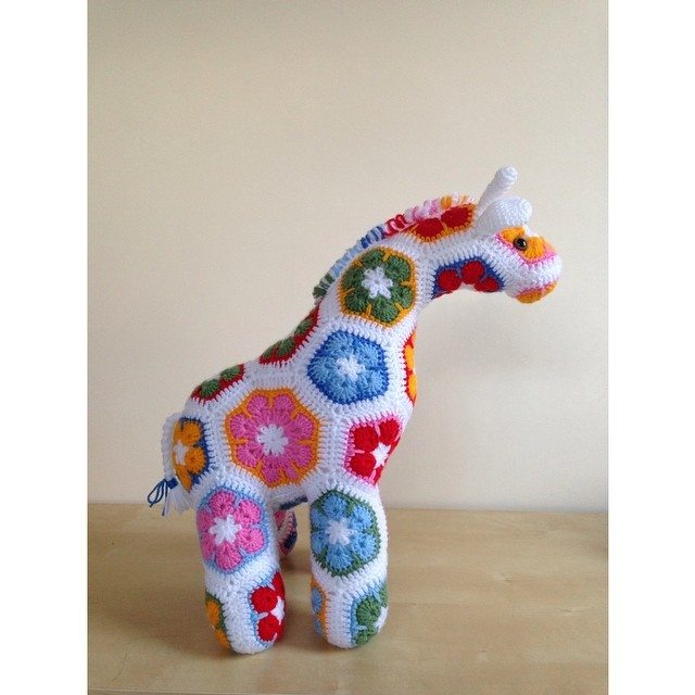 cuteashook crochet giraffe