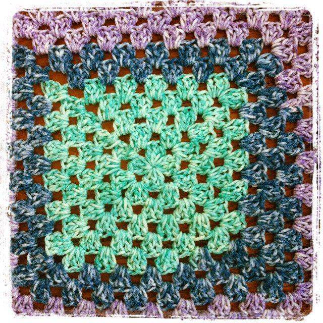 granny square crochet vercillo