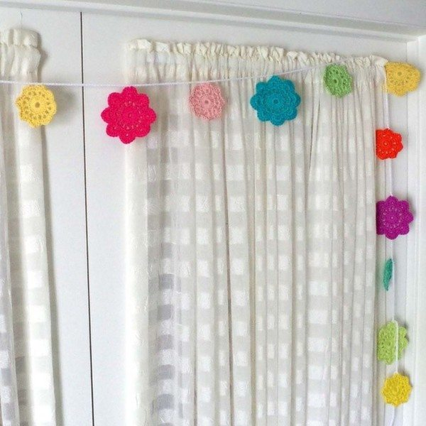 habitualhomebody_instagram_crochet_garland
