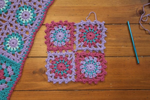 jcmee 04 join as you go method 001 retouched Craftsy Crochet Class Giveaway: Joining Crochet Motifs with Edie Eckman