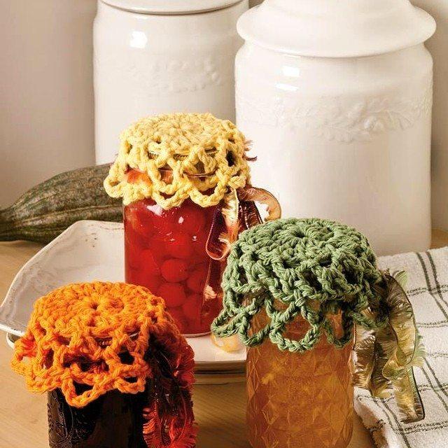 lisesolvang crochet jar doilies