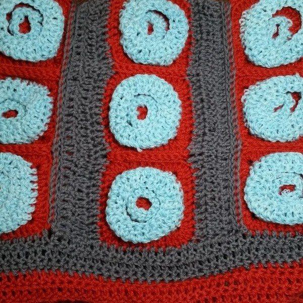 reginajestrow_instagram_crochet_felt_bag