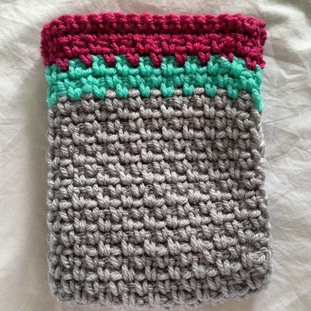 thedorsetfinca crochet kindle cozy