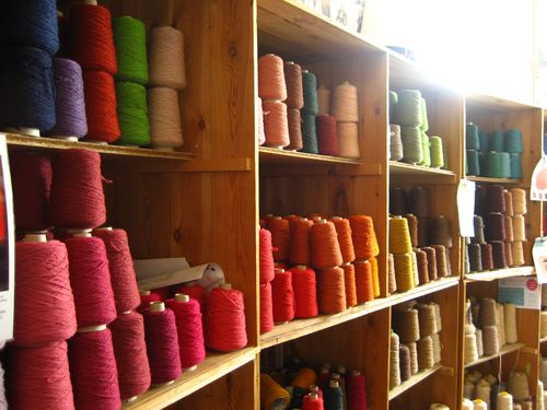 yarn shop Link Love for Best Crochet Patterns, Ideas and News