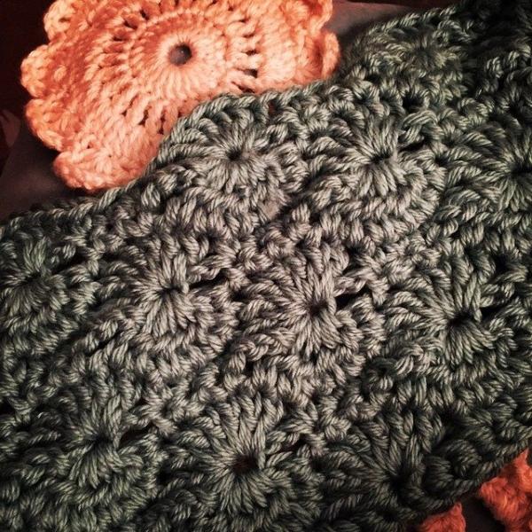 audra hooknowl instagram crochet cowl 2 600x600 Crochet Instagrammed
