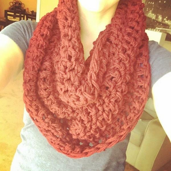 audra_hooknowl instagram crochet cowl 3