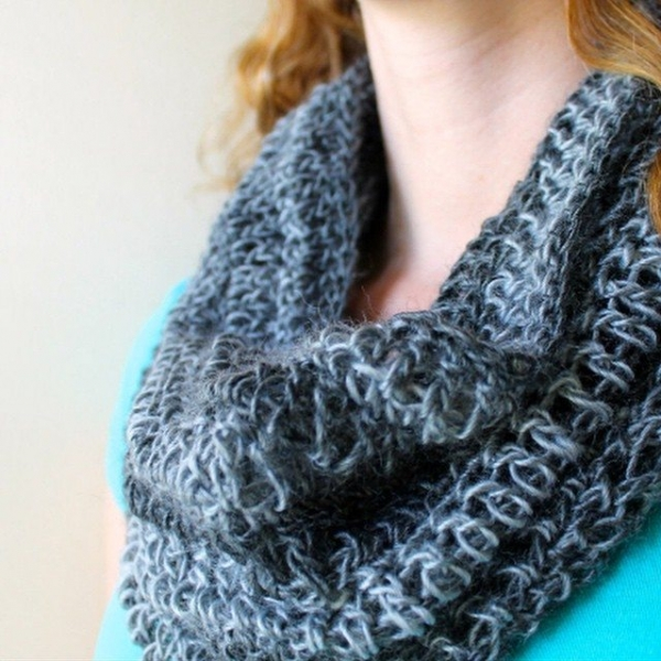 audra_hooknowl instagram crochet cowl 4
