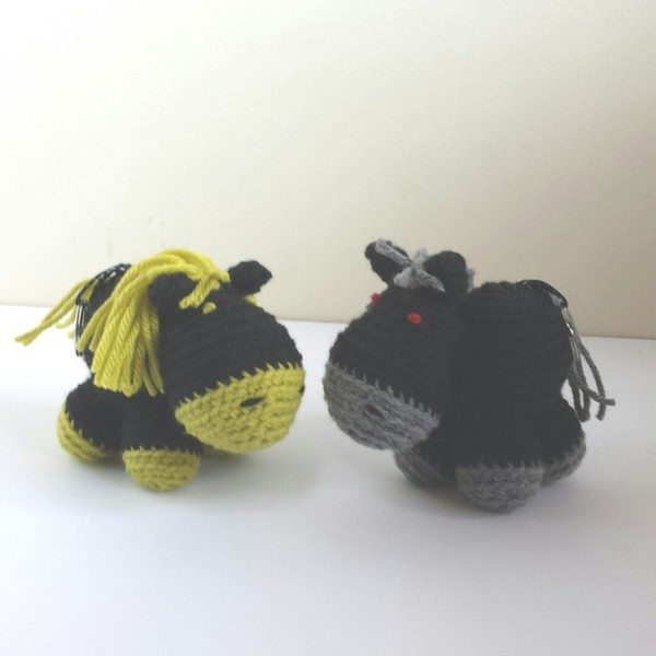 caseyplusthree_crochet_horses