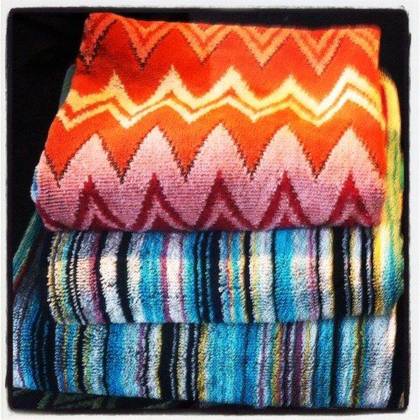 fabrics_in_store