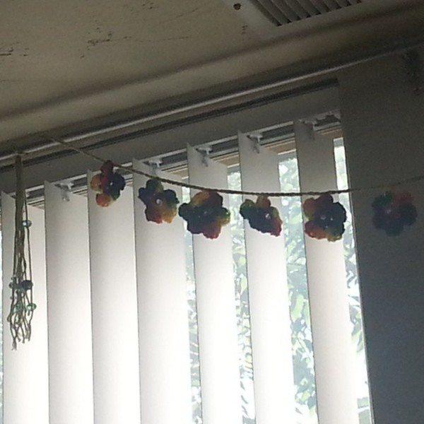 gigididthis_crochet_rainbow_garland