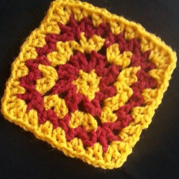 gigididthis_crochet_vstitch_square