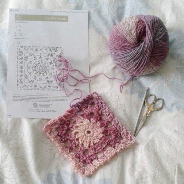 hanrosieg_crochet_pink_square