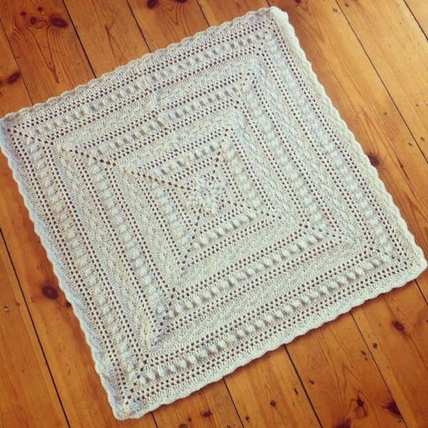 holly_pips_crochet_blanket_lacy
