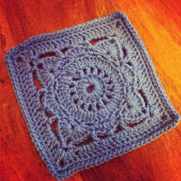 hollypips_crochet_square