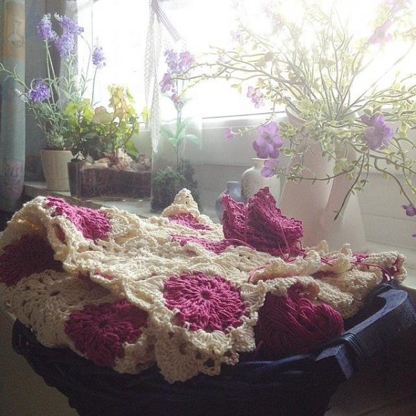 joycelovescrochet instagram crochet tablecloth