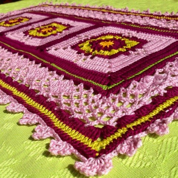 joycelovescrochet_crochet_table_runner