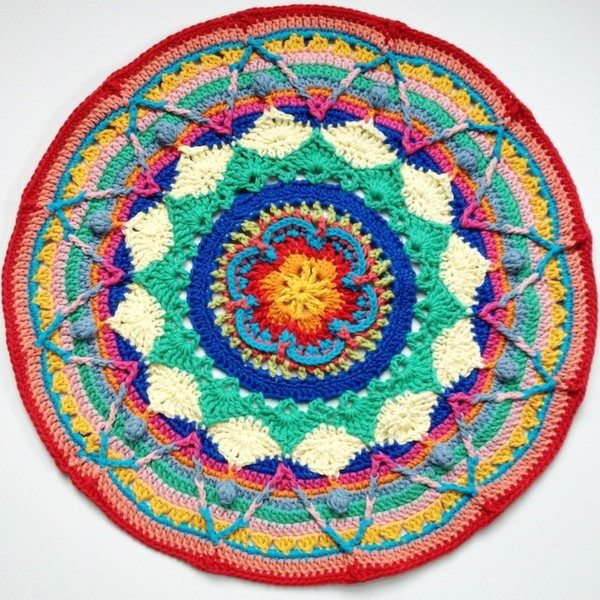 mobiusgirl_crochet_mandala