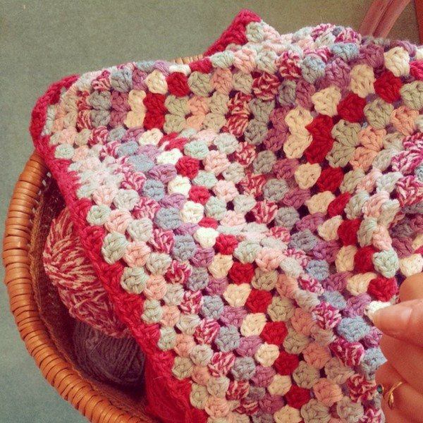 mossmotherhook_crochet_reds