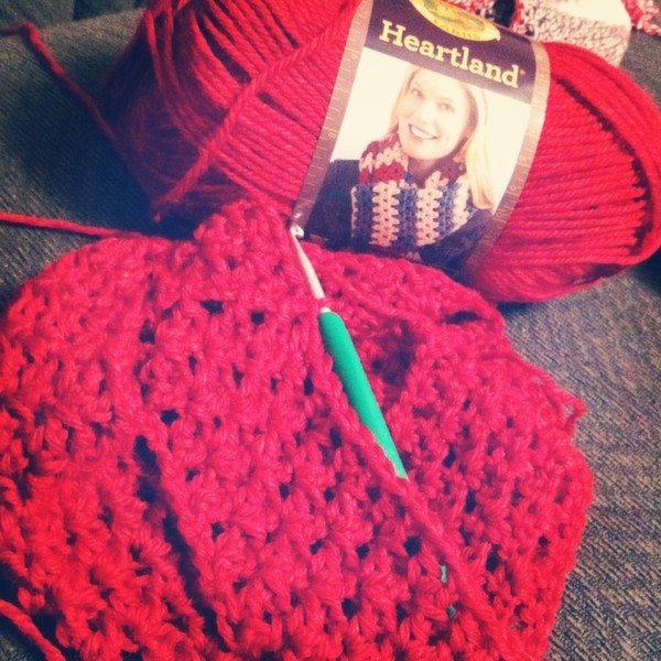 sapphire314_crochet_infinity_scarf