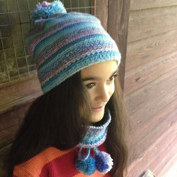 woolyana crochet hat and matching cowl