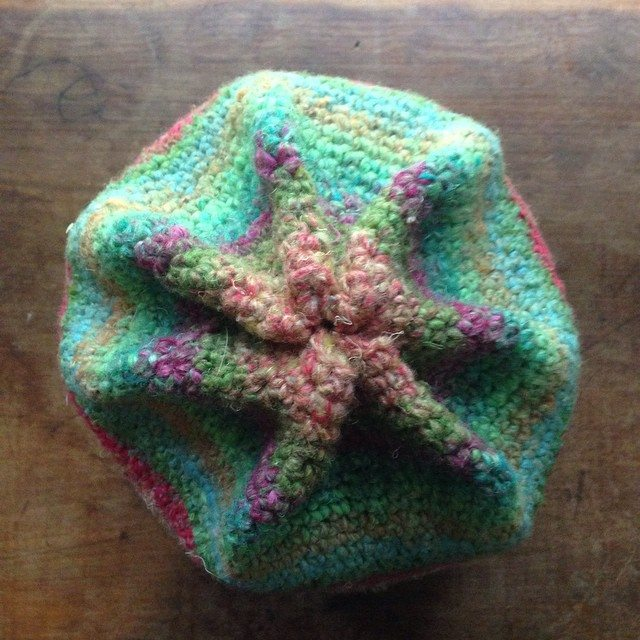 woolyana instagram crochet hat