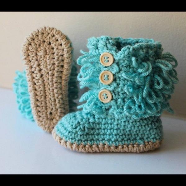 audra_hooknowl blue crochet booties