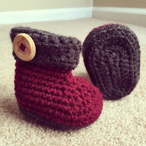 audra_hooknowl crochet booties