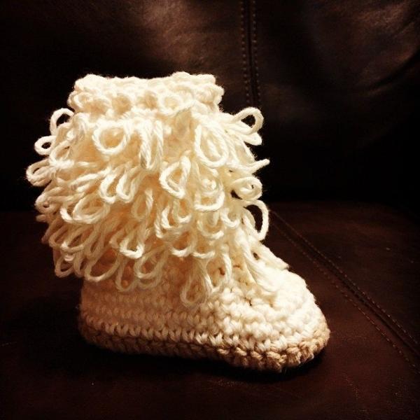 audra_hooknowl crochet boots