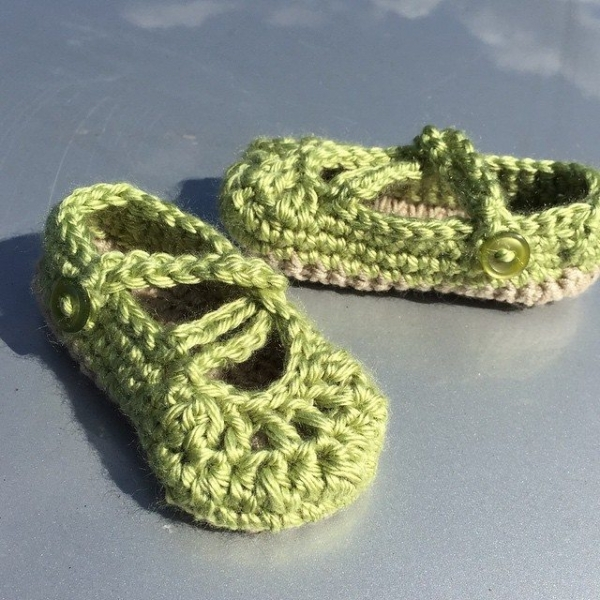 audra_hooknowl crochet green slippers