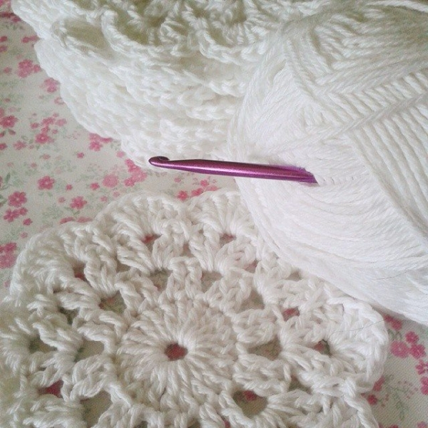 corazonalsol crochet coasters