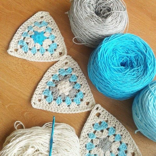 corazonalsol crochet triangles