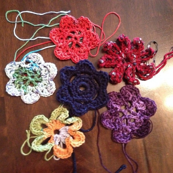 creativeglo13 crochet flowers 2
