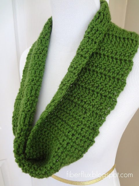 21 Wonderful Crochet Cowl and Crochet Scarf Patterns