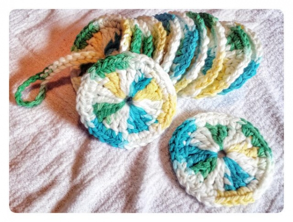 crochet makeup removers pattern