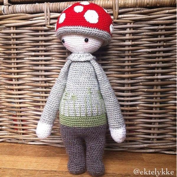 ektelykke crochet doll
