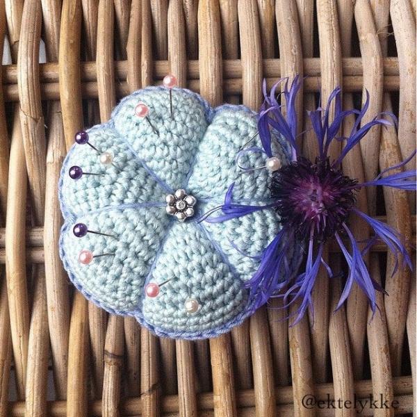 ektelykke crochet pincushion