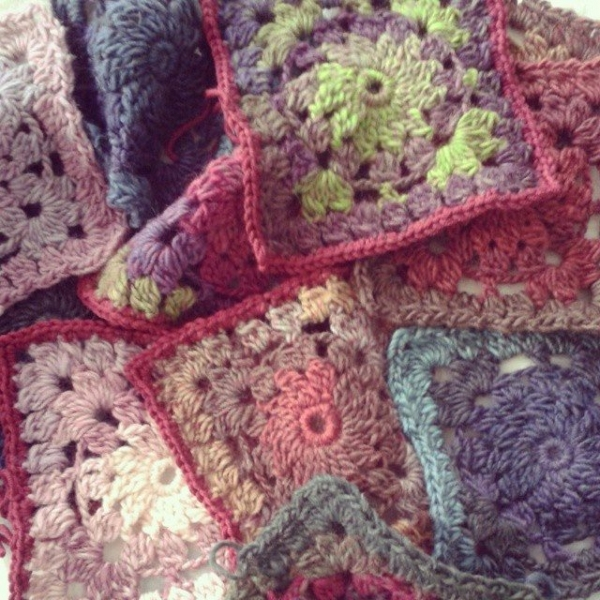 hanrosieg crochet squares wip