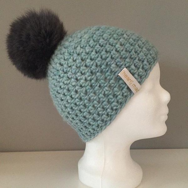 heartmadebeanies pom crochet hat