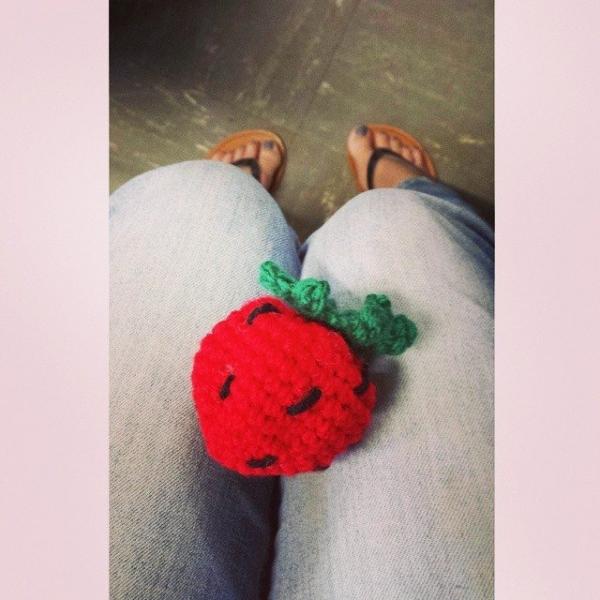 hiaammel crochet strawberry