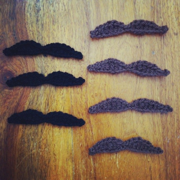 holly_pips crochet moustaches