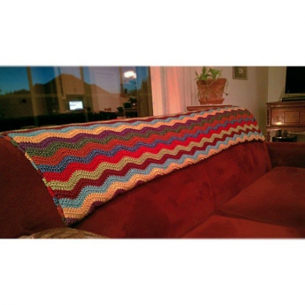 jillsneedbrown crochet blanket chevrons