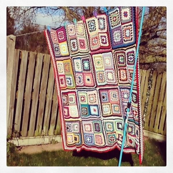_lara_x crochet granny square blanket